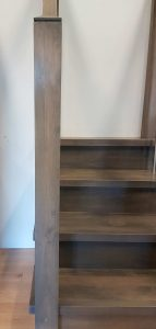 Modern newel post with 3 piece cap